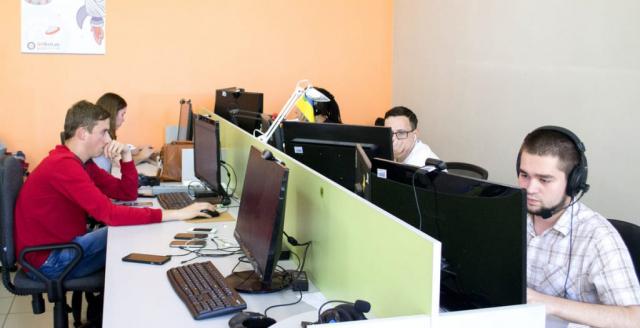 QA engineers working process